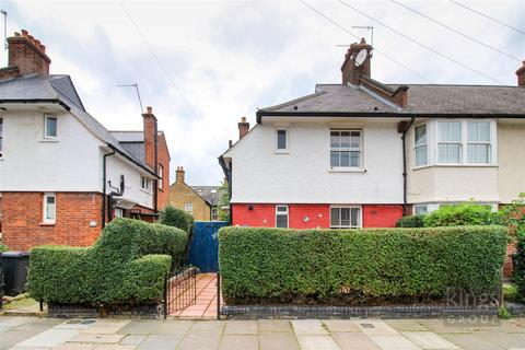 3 bedroom end of terrace house for sale - Spigurnell Road, London