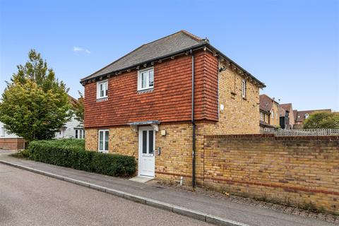 2 bedroom flat for sale - Greyhound Chase, Ashford