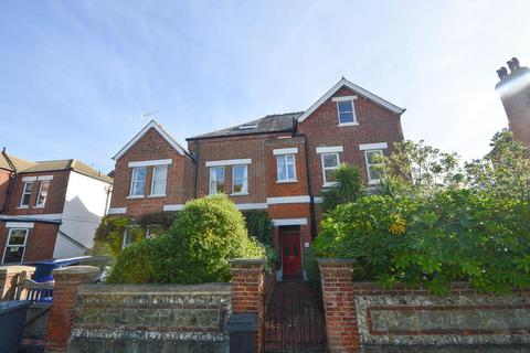 1 bedroom flat - Grange Road, Eastbourne