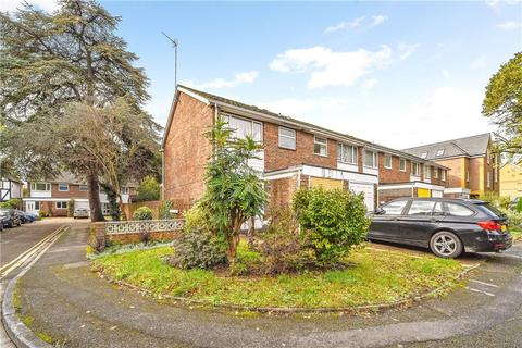 3 bedroom end of terrace house for sale - Cherry Orchard, Staines-upon-Thames, Surrey, TW18