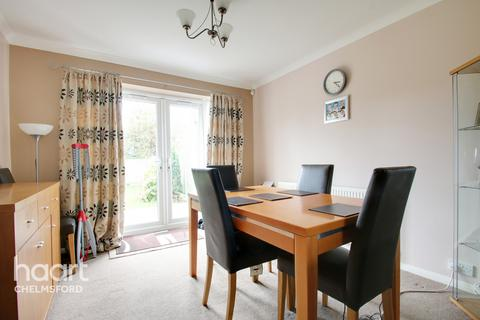 4 bedroom semi-detached house for sale - Larch Grove, Chelmsford