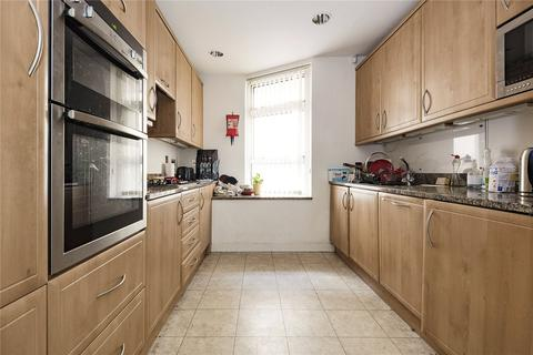3 bedroom terraced house to rent - Chandlers Mews, London