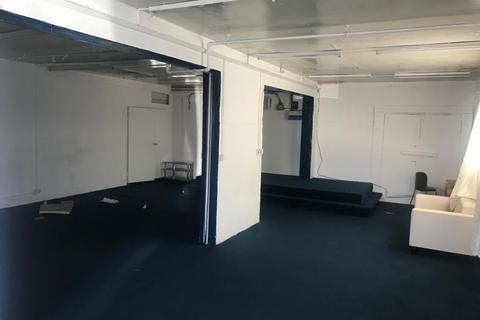 Property to rent - Barking & Dagenham RM8