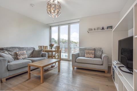 2 bedroom flat - Berwick Way, Knoll Rise Orpington BR6