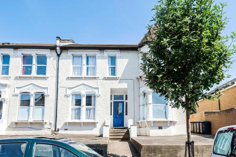 1 bedroom flat to rent - Ferme Park Road, N8