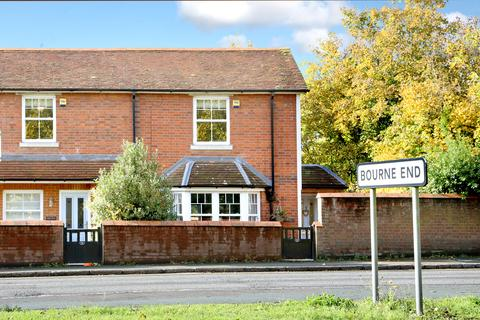2 bedroom end of terrace house for sale - Cores End Road, Bourne End, Buckinghamshire, SL8