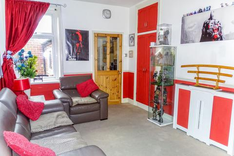3 bedroom flat - Burn Terrace, Wallsend, Tyne and Wear, NE28 7BJ