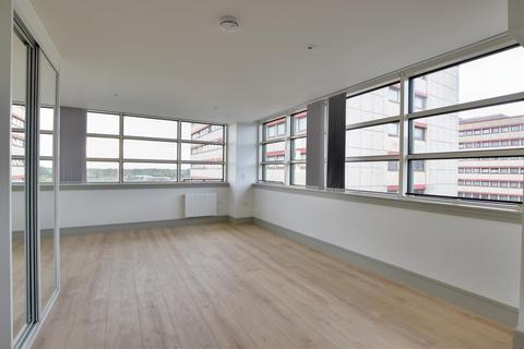 Studio to rent - Market Square, Uxbridge, Middlesex, UB8 1NG
