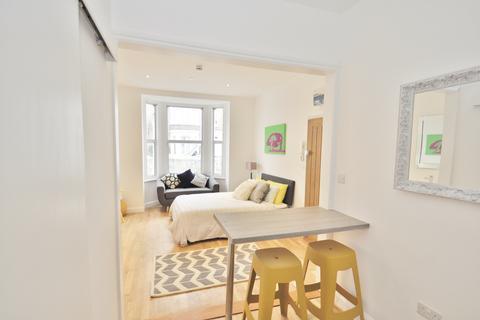 1 bedroom house share to rent - MacFarlane Road, Shepherds Bush W12 7JY
