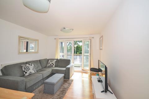 2 bedroom apartment for sale - Denham Road, London, N20