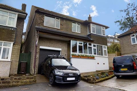 5 bedroom detached house for sale - St Quentin Close Bradway, Sheffield, S17 4PL