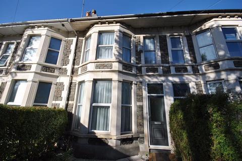 3 bedroom terraced house - Downend Road, Fishponds, Bristol