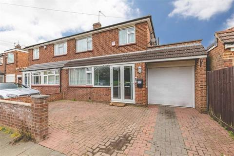 3 bedroom semi-detached house - Dell Road, West Drayton, Middlesex