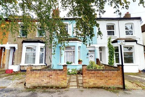 3 bedroom terraced house for sale - Maswell Park Crescent, Hounslow, Middlesex