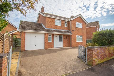 4 bedroom detached house for sale - Winmer Avenue, Winterton-on-sea