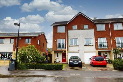 3 bedroom end of terrace house for sale - Sterling Close, Pengam Green