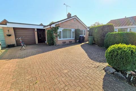 4 bedroom detached bungalow for sale - Bream Close, Melksham