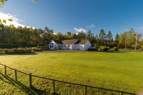4 bedroom detached bungalow for sale - Birchlands, Rachan, Broughton, Peeblesshire, ML12 6HH