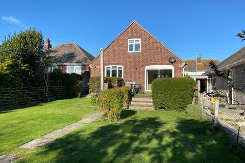3 bedroom detached bungalow for sale - Beaumont Avenue, Weymouth