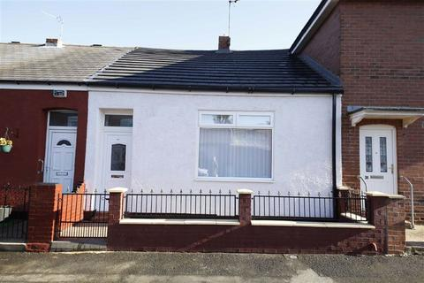 2 bedroom terraced house - Oxbridge Street, Grangetown, Sunderland, SR2
