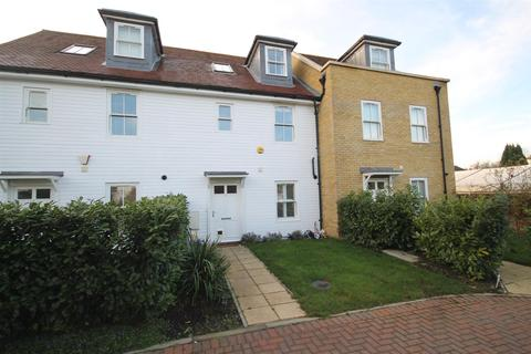 3 bedroom townhouse for sale - Upper Courtyard, 44 West Street, CARSHALTON