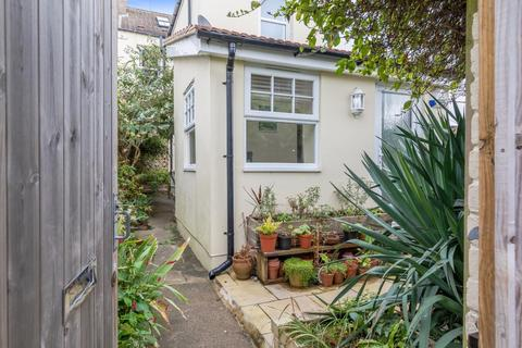 1 bedroom terraced house for sale - Connaught Road, Hove