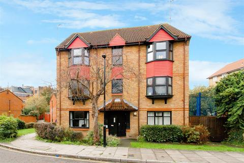 1 bedroom flat for sale - Coopers Close, London, E1