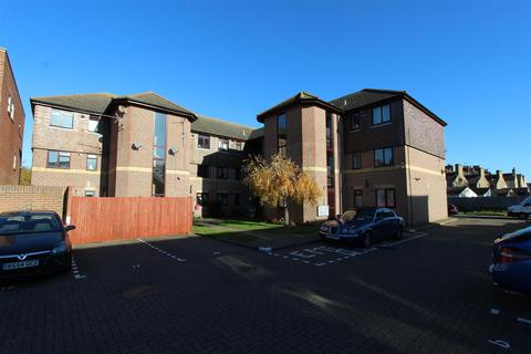 1 bedroom flat to rent - Jarretts Court, Wykeham Road, Sittingbourne