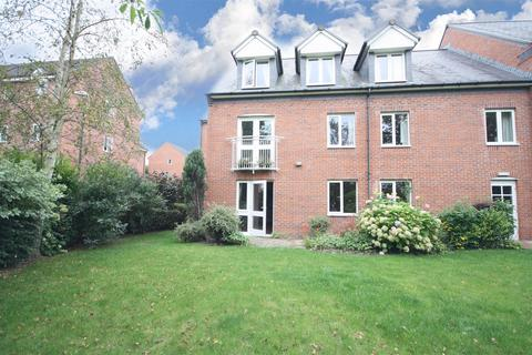 2 bedroom apartment for sale - Lutton Close, Oswestry