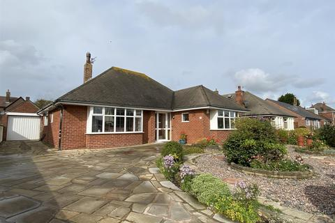 2 bedroom detached bungalow for sale - Queen Mary Avenue, Lytham St Annes