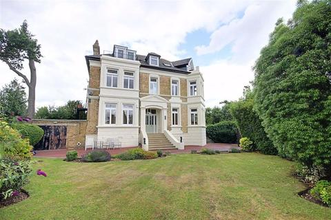 2 bedroom flat for sale - Bycullah Road, Enfield, Middlesex