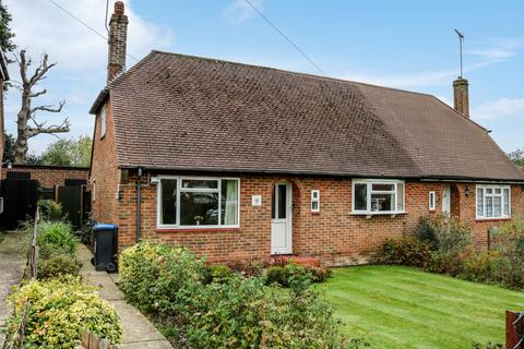 2 bedroom bungalow for sale - Vale Road, Haywards Heath, RH16