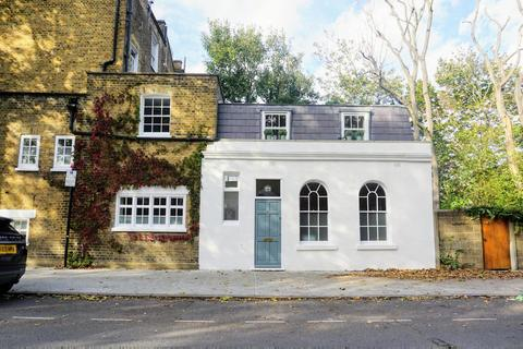 2 bedroom end of terrace house for sale - Addington Square, Camberwell