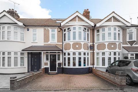 4 bedroom terraced house for sale - Cedar Road, Hornchurch