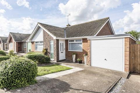 2 bedroom detached bungalow for sale - Hillcrest Gardens, Ramsgate