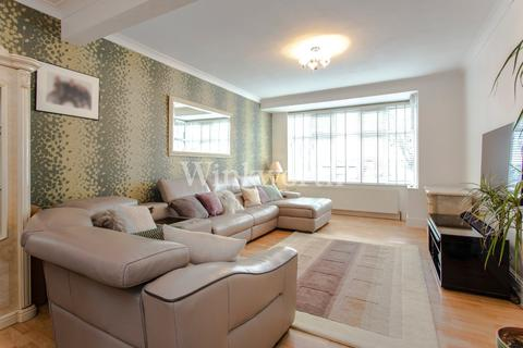 3 bedroom terraced house for sale - Dorchester Avenue, London, N13