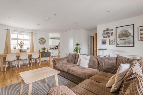 2 bedroom flat for sale - Welmar Mews, Clapham