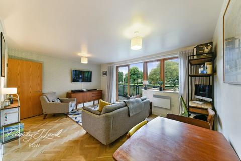 2 bedroom apartment for sale - Bray Court, Meath Crescent, London E2