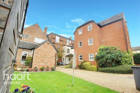 3 bedroom flat to rent - Bedford