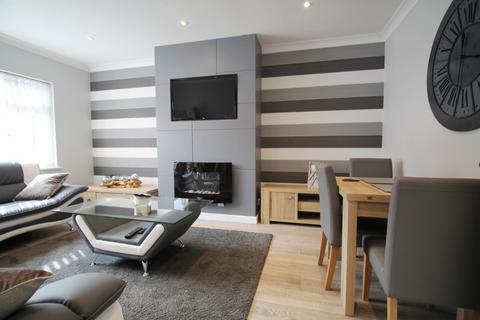 2 bedroom bungalow to rent - Kingsmead Close, Cheltenham, GL51