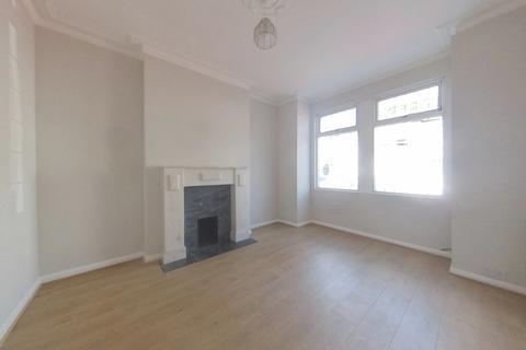 2 bedroom ground floor maisonette to rent - Pevensey Road, Tooting SW17