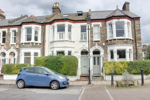 2 bedroom ground floor flat to rent - Holmewood Gardens, London SW2