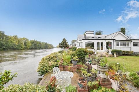 3 bedroom house for sale - Sunbury Court Island, Sunbury on Thames, TW16