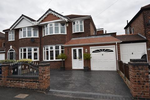 4 bedroom semi-detached house for sale - Abingdon Road, Davyhulme, M41