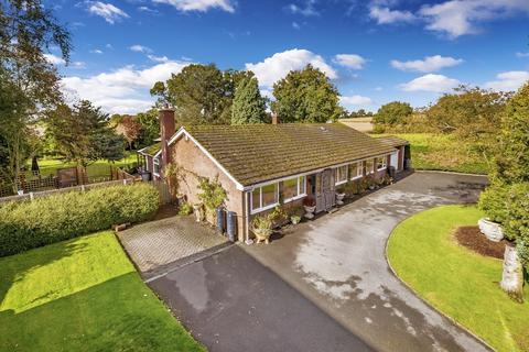 4 bedroom detached bungalow for sale - Lower Bromstead Lane, Moreton