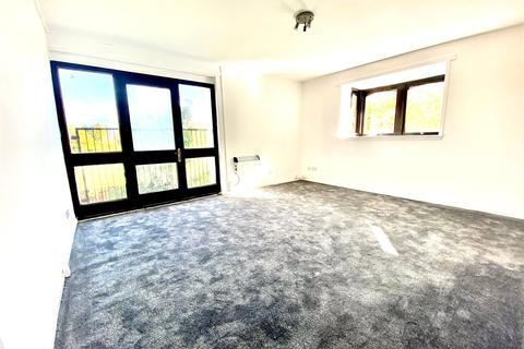 3 bedroom apartment for sale - Fiddoch Court, Newmains, ML2