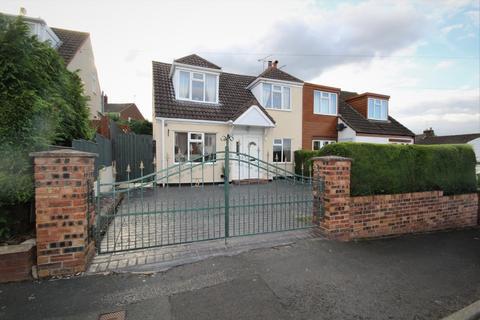 3 bedroom semi-detached house for sale - Pengwladys Avenue, Connah's Quay