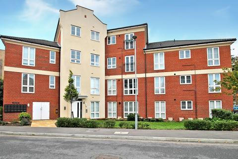 2 bedroom apartment - Stroudley House, Cambrian Way, Worthing, BN13 1FE