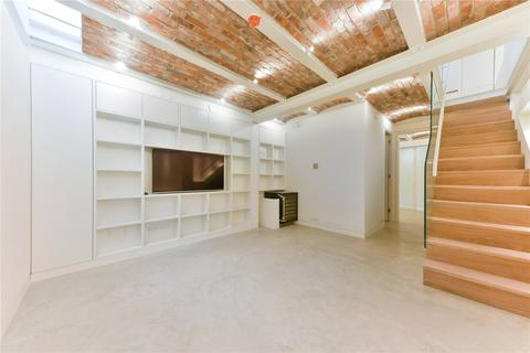 3 bedroom mews to rent - Bathurst Mews, Tyburnia, London, W2