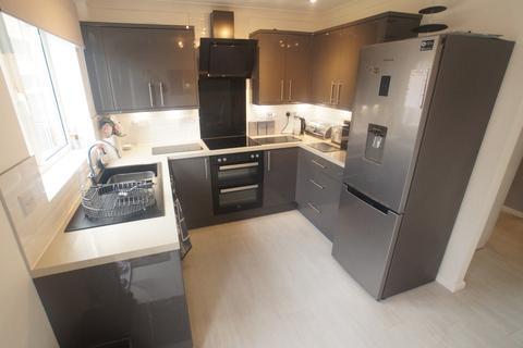 3 bedroom semi-detached house to rent - Wells Drive, Bracebridge Heath